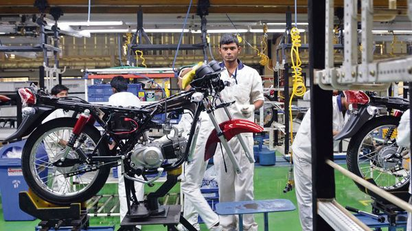 Hero MotoCorp suspended production across its manufacturing plants in April due to the surge in covid-19 cases. (MINT_PRINT)