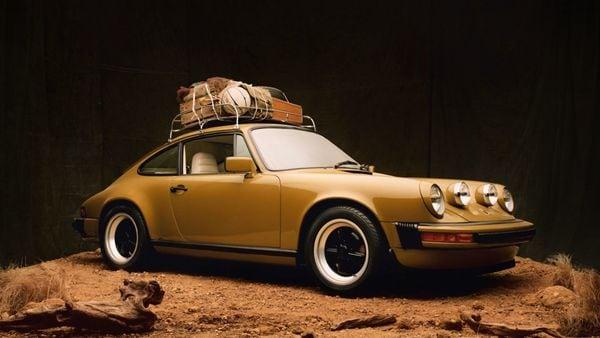 The Porsche 911 SC dawns the classic olive colour of the brand. (Porsche)