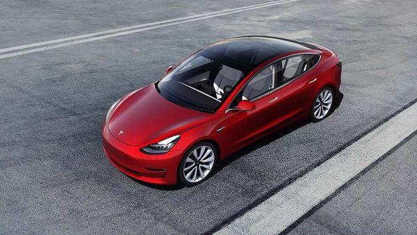 Price of Tesla Model 3 Standard Range Plus now stands at $39,990.