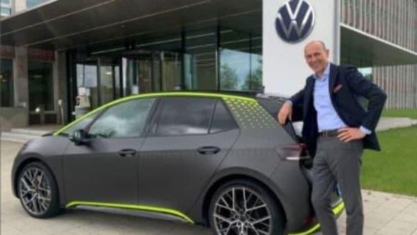 Volkswagen Passenger Cars' CEO Ralf Brandstätter with the ID.X concept. (Image courtesy: LinkedIn/Ralf Brandstätter)