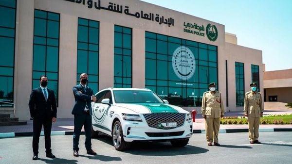 Dubai Police adds 2021 Genesis GV80 to its fleet.