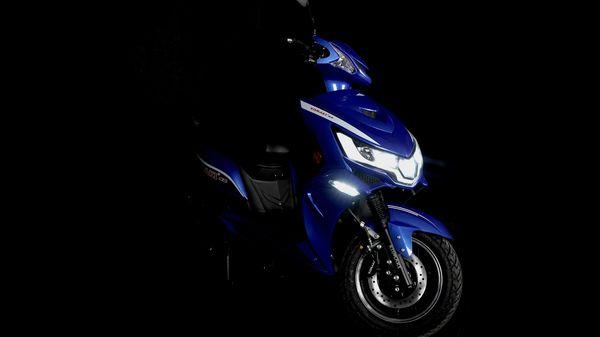 Representational image of Komaki SE electric scooter.