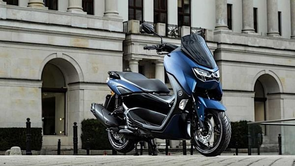 The utilitarian design of the new Yamaha NMax 125 remains unchanged.