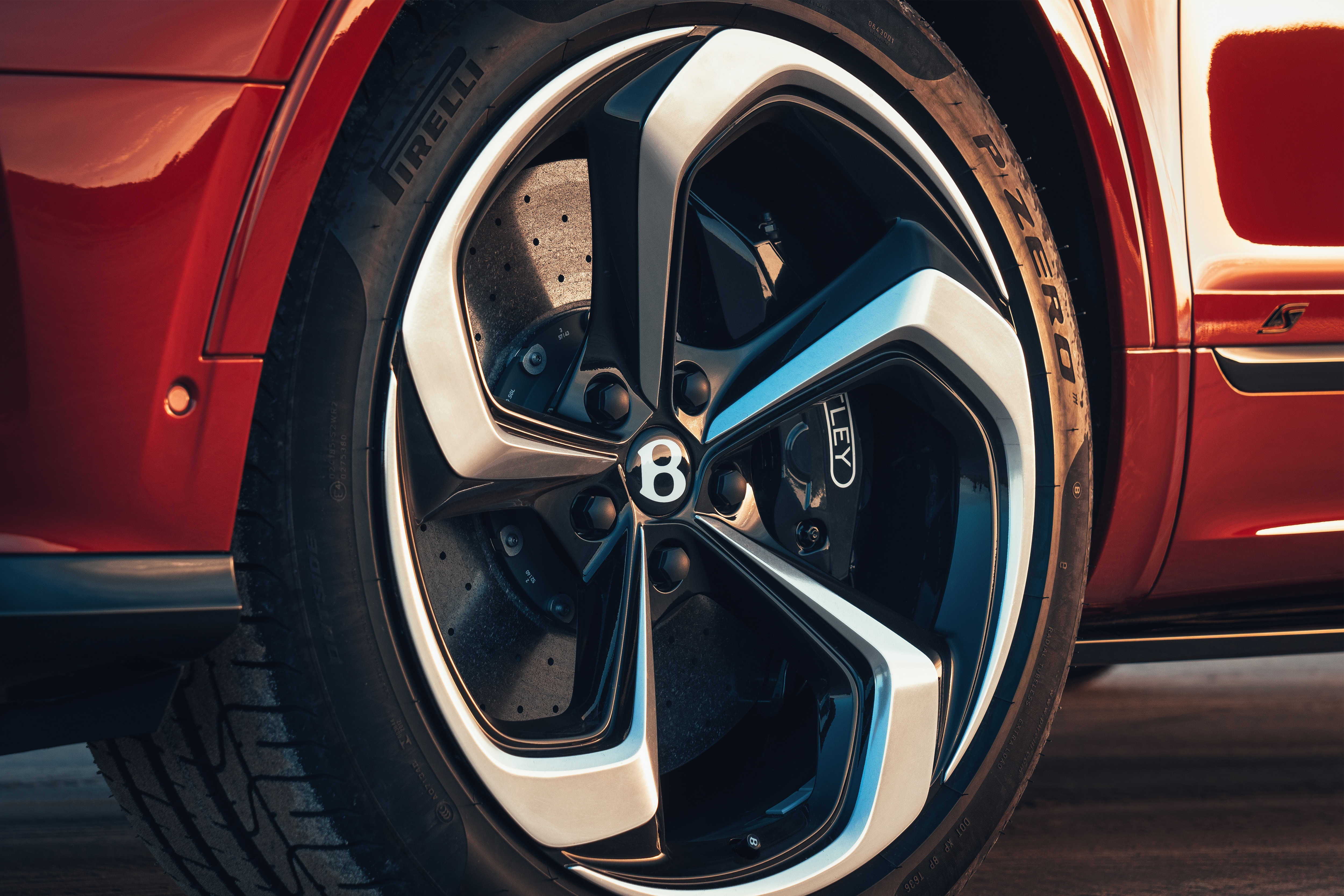 Interestingly, the 22-inch alloy wheels are not blacked out, as often done for the performance avatars of popular models to give them a more sporty appeal.