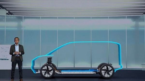 Ford's new all-wheel drive / rear-wheel drive flexible EV architecture being revealed by its North America Product Communications manager, Mike Levine.