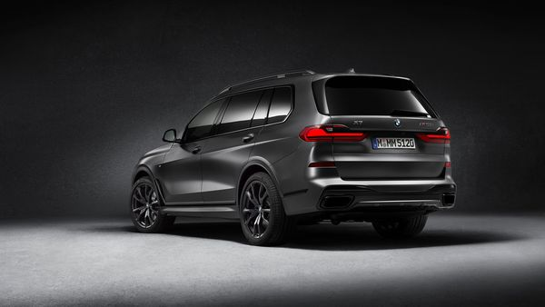 Only 500 BMW X7 M50d 'Dark Shadow' Edition SUVs will be sold across the world.