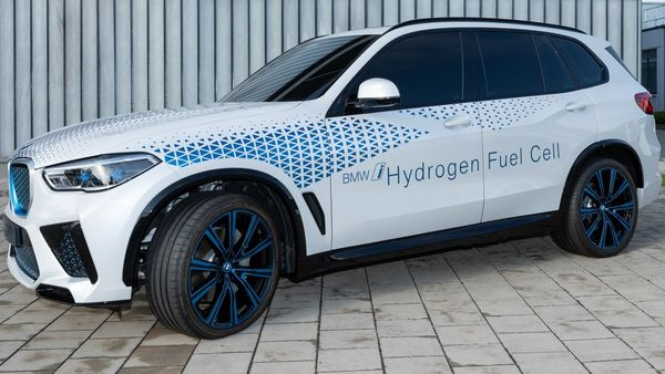 What are the barriers to hydrogen taking in Indian vehicles?