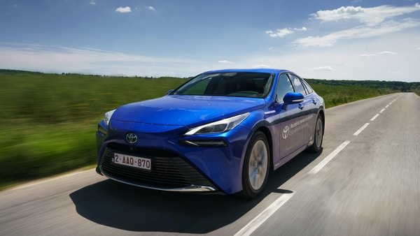 Toyota Mirai crosses 1,000 kms to break world distance record for a hydrogen vehicle