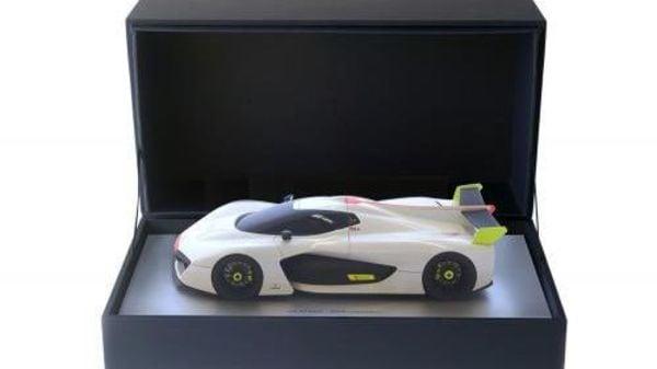Pininfarina H2 Speed miniature (Image courtesy: Twitter/@anandmahindra)