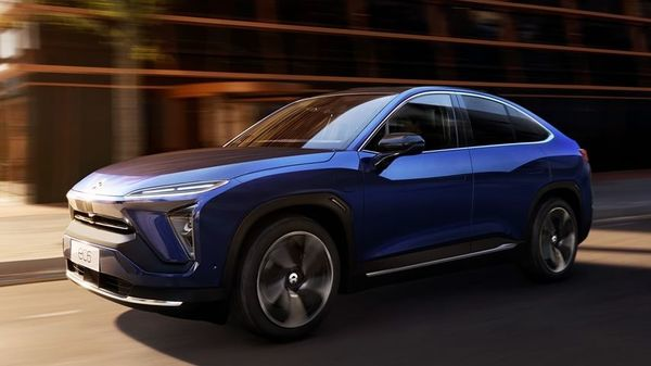 US-traded shares of Nio Inc. and XPeng Inc. surged after the two Chinese companies reported strong sales for May and Citigroup Inc. boosted its estimates for the industry.