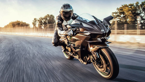 The track-only Ninja H2R motorcycle has been priced at ₹79.90 lakh (ex-showroom, Delhi).