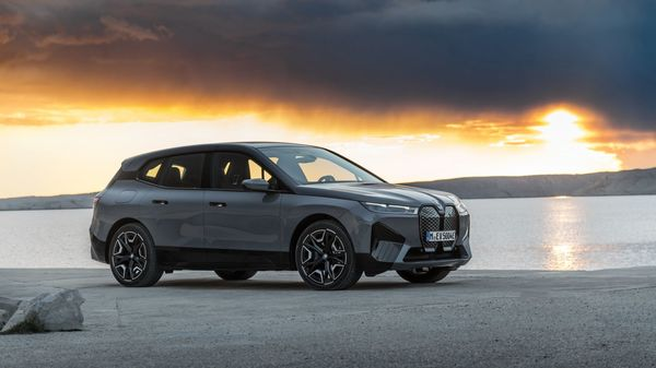 Previously, BMW claimed that the iX EV will give a tough competition to Tesla Model 3. This created a wave of excitement in the electric vehicle community as everyone hoped that the German automaker would release an electric vehicle at around $40,000. However, this range evolved as a luxury crossover and BMW confirmed that the cost of the EVs will start over $80,000. (BMW)