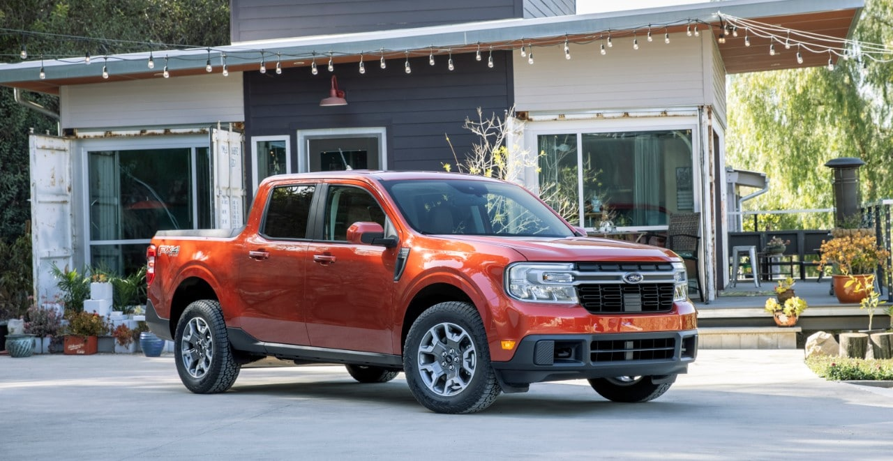 The 2022 Ford Maverick comes with a muscular and chunky design that is seen in other contemporary Ford pickup trucks.