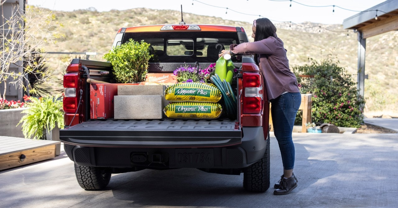 The loading deck of the Ford Maverick is capable of accommodating 680 kg payload.