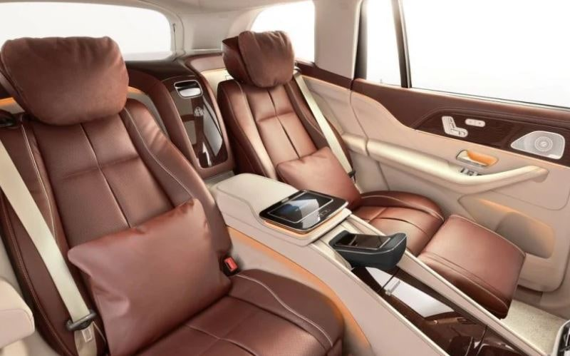 The four-seat version of Maybach GLS 600.