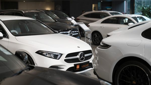 The new rule allows all document to be e-signed by the dealers using digital signature as well as auto-generation of vehicle ordinary numbers at the dealerships itself. (Image has been used for representational purpose) (Bloomberg)