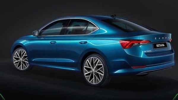 Skoda has officially launched the 2021 Octavia sedan at a starting price of <span class='webrupee'>₹</span>25.99 lakh. The sedan will be available in two trims - Style and top-spec Laurin & Klement.
