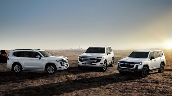 Another big change is under the hood of the new Land Cruiser. There will be no V8 engine here anymore. Instead, the off-road SUV will now get a twin-turbo V6 naturally aspirated engine.