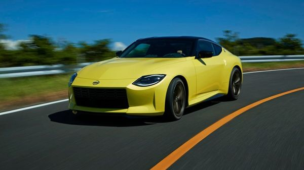 Nissan Z Proto features a sporty and purposeful design language that pays homage to its predecessors.