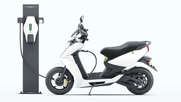 The Centre has decided to increase FAME II incentives for electric two-wheelers to ₹15,000 per kWh. (File photo) (MINT_PRINT)