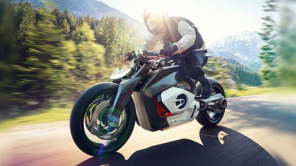 The upcoming BMW electric bike will use driveshaft.