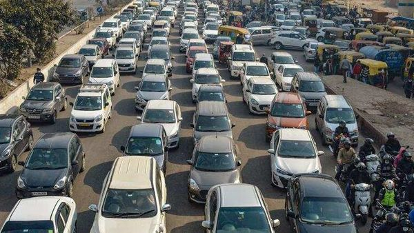 Driving licence, vehicle registration validity extended till September 30. (File photo) (HT_PRINT)