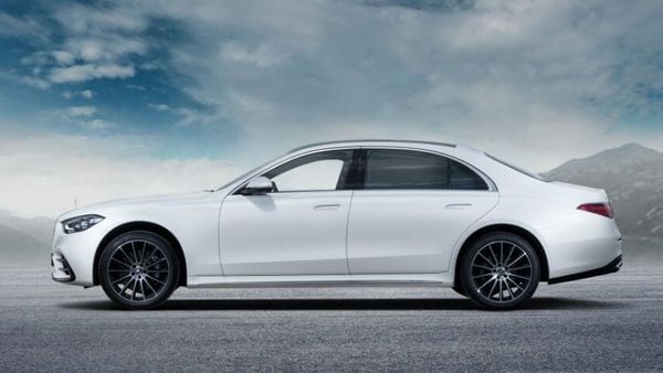 Mercedes S-Class 2021 promises to take the luxury quotient to a whole new level and in a world racing towards EVs, hopes to stay true to its inherent DNA of being a top-of-the-line sedan from the German giants,