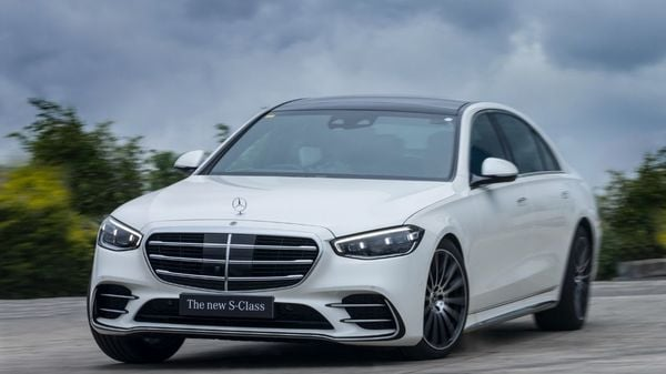 Mercedes-Benz India has introduced the all-new S-Class Launch Edition in the country at <span class='webrupee'>₹</span>2.17 crore. The latest edition of the sedan is loaded with technology and comfort functions. It sports AMG exteriors and 20-inch AMG alloys for the first time.
