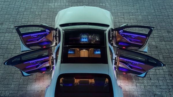 The 2021 Mercedes S-Class features a panoramic sliding sunroof which comes with a control-via-touch slider. It brightens the interior ambience and also makes the sedan visually appealing from the outside.