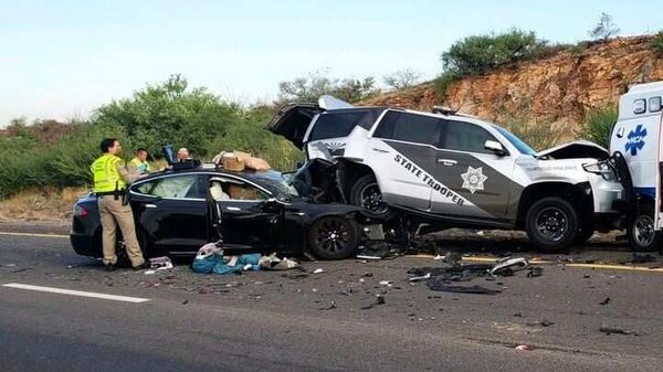 Tesla in place: US security agency opens probe into 30 Tesla-related accidents