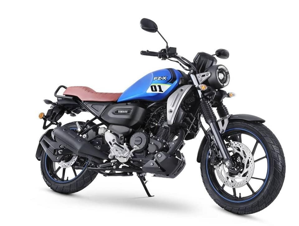 On the outside, the new FZ-X takes a neo-retro approach to attract a younger set of enthusiasts.