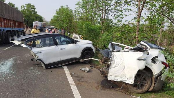 The Kia Seltos SUV was split into two parts due to the freak accident. (Image: Facebook/Shivay Vijay Pandey)