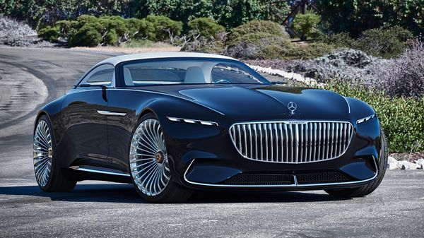 Photo of the Mercedes Maybach concept car that is being used on the sets of the upcoming movie The Flash, featuring Michael Keaton as Batman.