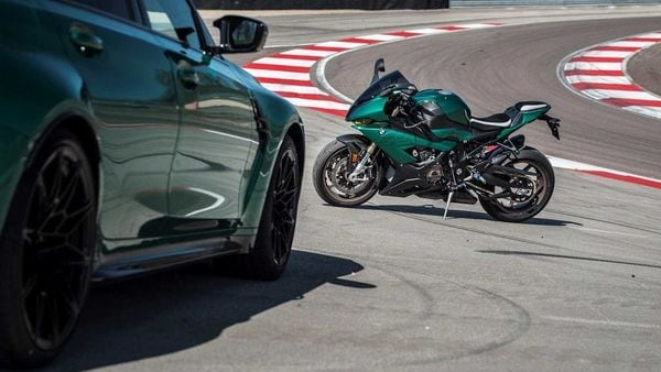The BMW S1000RR Isle of Man adorns a BMW M3-inspired unique green paint theme on the outside. (BMW Motorrad)
