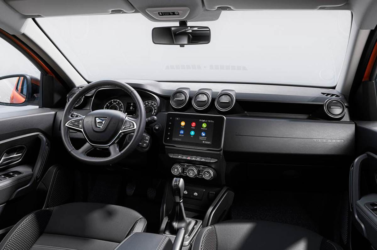 Inside the new Duster, sits a newly updated cabin featuring a redesigned centre console with more storage, new materials, and an 8.0-inch touchscreen.