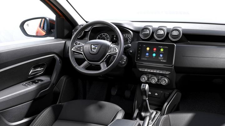 Inside the new Duster sits a newly updated cabin featuring a redesigned centre console with more storage, new materials, and updated screen.