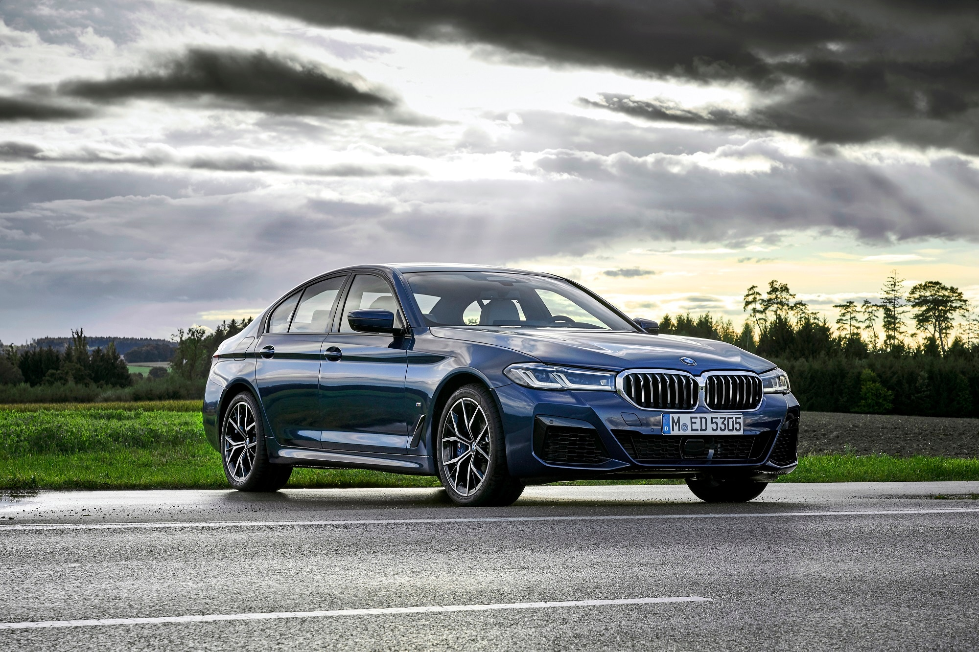 The 2021 BMW 5 Series is available in two new colour options including the Phytonic Blue metallic and Bernina Grey Amber effect.