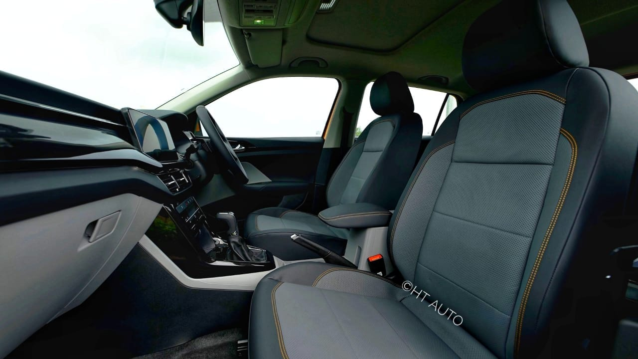 Skoda doesn't go overboard with either the feature list or the styling inside the Kushaq but instead, manages to offer a space that is well appointed and pleasing to the senses. For most parts anyway. (HT Auto/Sabyasachi Dasgupta)