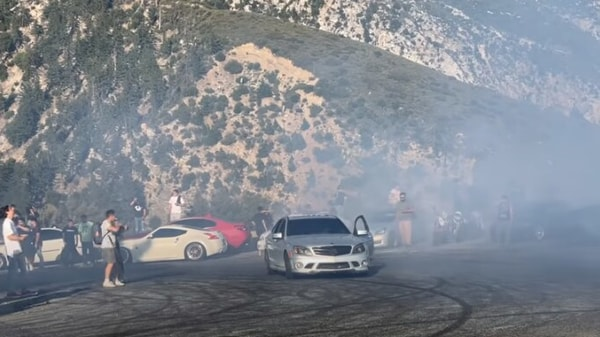 The C63 AMG lost its wheel and rear axle immediately after the incident. (Image: Youtube/Speedster404)