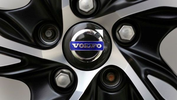 Volvo Cars aims to go public in 2021