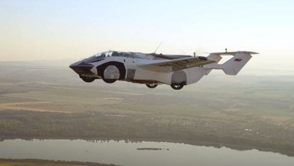 The flying car comes with a 160 hp BMW engine and it also has a fixed propeller and a ballistic parachute. (Image: Youtube/KleinVision)
