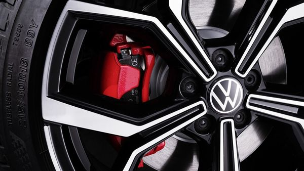 The new Volkswagen Polo GTI is equipped with a new 2.0 TSI four-cylinder engine that develops 207 hp of power and 320 Nm of maximum torque. It is mated to a seven-speed dual-clutch DSG automatic transmission that sends all the power to the front axle. This helps the new Polo GTI to sprint from zero to 100 kmph in 6.5 seconds and allows a maximum speed of 240 kmph.