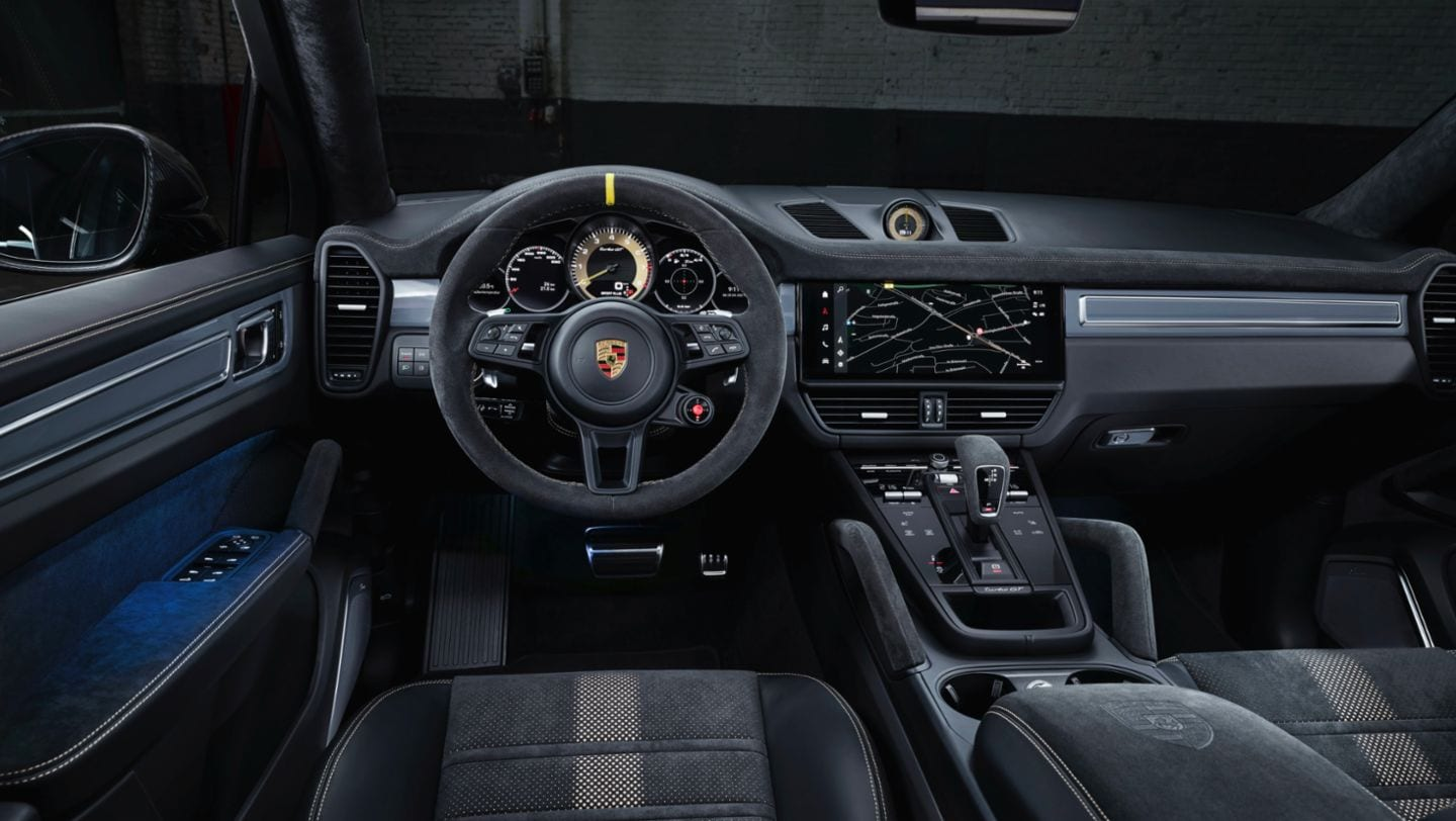 On the inside, the new Cayenne Turbo GT gets multifunction sports steering wheel with a central yellow marking and the latest generation of the PCM (Porsche Communication Management) infotainment system with a new interface.