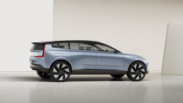 The base of future Volvo cars will be completely flat, just like the concept car unveiled, to accommodate the batteries and extend the wheelbase.