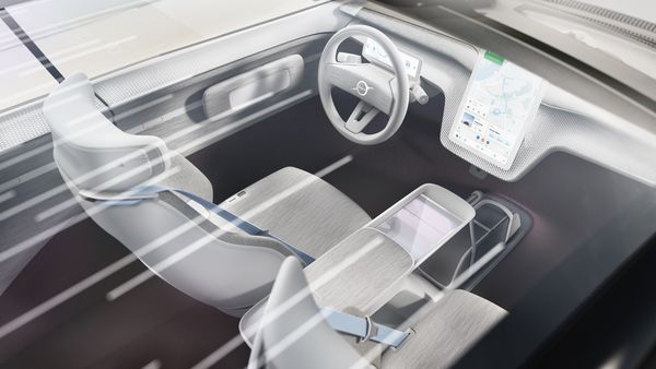 There is also a large 15-inch screen that stands out on the inside. It incorporates the next generation infotainment system and connected services that the company is developing.