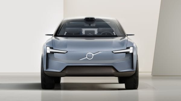 Volvo unveiled the Concept Recharge vehicle as it aims to be an all-electric car brand by 2030. The Concept Recharge is designed to show how Volvo's design will change for pure electric cars. For example, instead of the grille, there is now a large front shield. It is complemented by an evolution of 'Thor's hammer' headlights with HD technology.