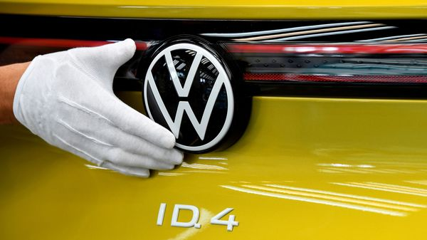 File photo: A technical employee cleans the paint in the final inspection at the production line for the electric Volkswagen model ID.4 electric car. (REUTERS)