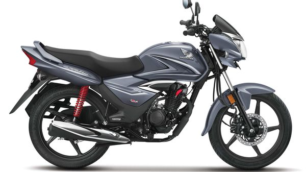Representational Image of Honda Shine motorcycle which competes in the 125cc motorcycle category.