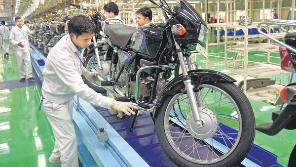 Hero MotoCorp has posted 2% YoY sales growth in June 2021. (MINT_PRINT)
