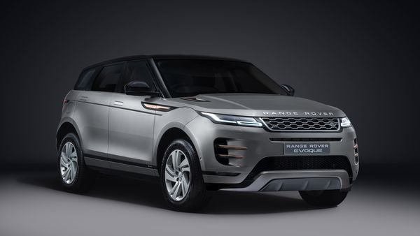 Evoque SUV is one of the most stylish and youthful SUVs from the Jaguar Land Rover camp.
